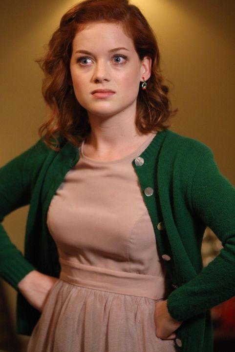 Da sie sich schuldig fühlt, dass ihr Vater mit Zoey Schlussgemacht hat, versucht Tessa (Jane Levy) alles, um sie wieder zusammen zu bringen. Doch i... - Bildquelle: Warner Bros. Television