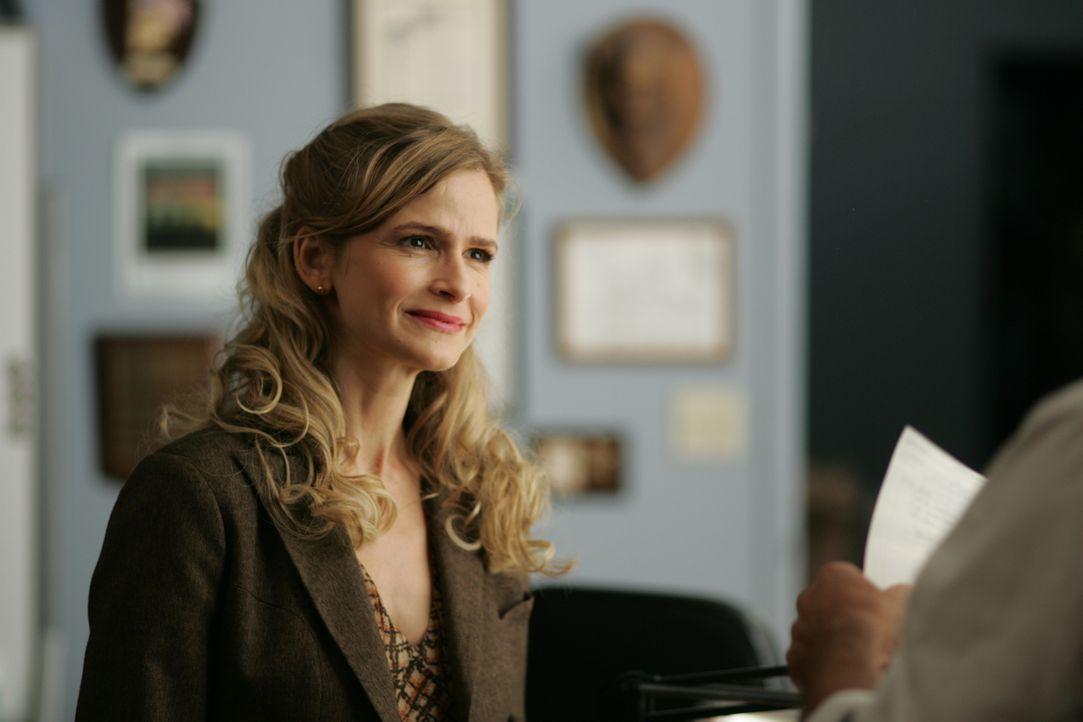 Als Brenda (Kyra Sedgwick) in Los Angeles die Leitung über eine Abteilung der Mordkommission übernimmt, ist allen voran ihr intrigenanter Kollege Ru... - Bildquelle: Warner Brothers