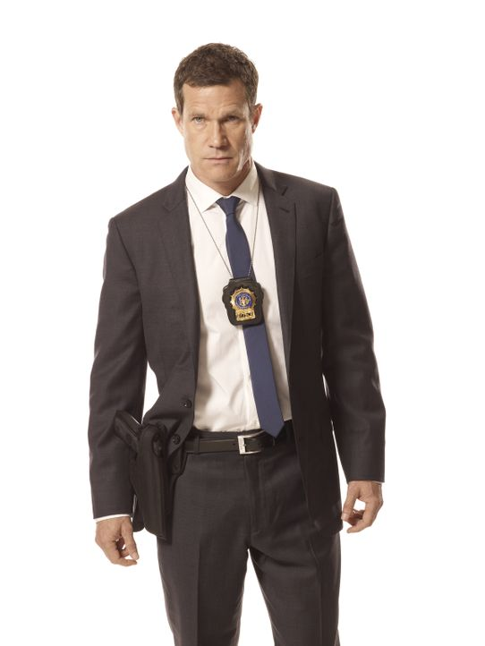 (1. Staffel) - Auf Verbrecherjagd: Detective Al Burns (Dylan Walsh) ... - Bildquelle: 2011 CBS Broadcasting Inc. All Rights Reserved.
