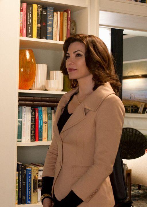Alicia (Julianna Margulies) ist entsetzt, als sie erfährt, dass ein erneuter Skandal bevorsteht ... - Bildquelle: Jeffrey Neira 2012 CBS Broadcasting, Inc. All Rights Reserved