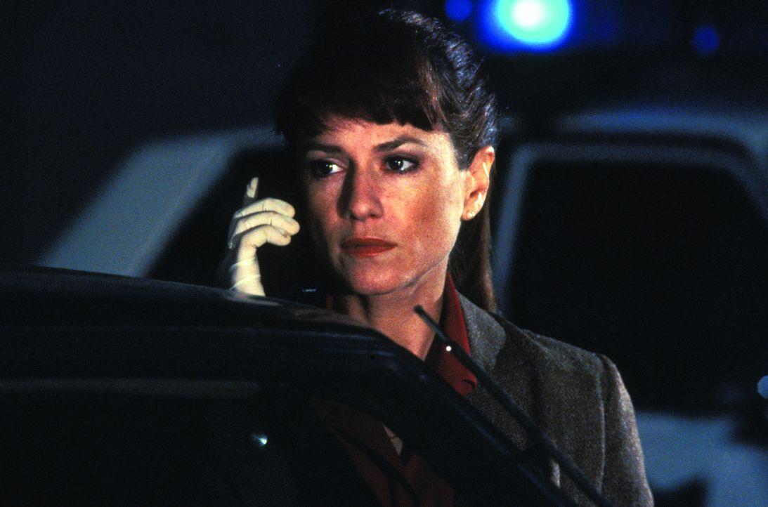 Ist auf der Suche nach einem Serienmörder: die Kriminalbeamtin M. J. Monahan (Holly Hunter) ... - Bildquelle: Warner Bros.