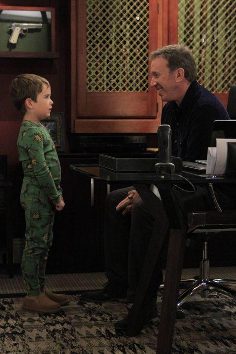 Unterdessen versucht Mike (Tim Allen, r.) seinem Enkel Boyd (Flynn Morrison, l.) den Kreislauf des Lebens zu erklären, was ein unerwartetes Ergebnis... - Bildquelle: 2011 Twentieth Century Fox Film Corporation
