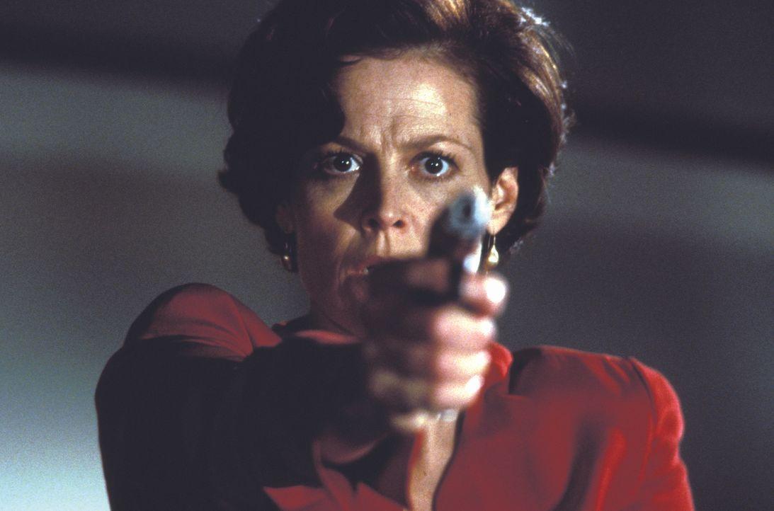 Kann Helen Hudson (Sigourney Weaver) zu der Klärung des Falles beitragen? - Bildquelle: Warner Bros.