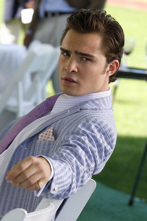 Hat ein neues Opfer für seine Beziehungsspielchen entdeckt: Chuck (Ed Westwick) ... - Bildquelle: Warner Brothers