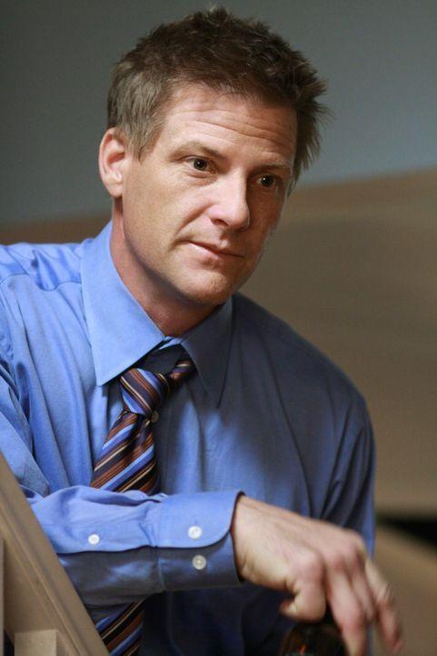 Fühlt sich zu alt, um einen neuen Job zu ergattern und hat deshalb einen ganz besonderen Plan: Tom (Doug Savant) ... - Bildquelle: ABC Studios