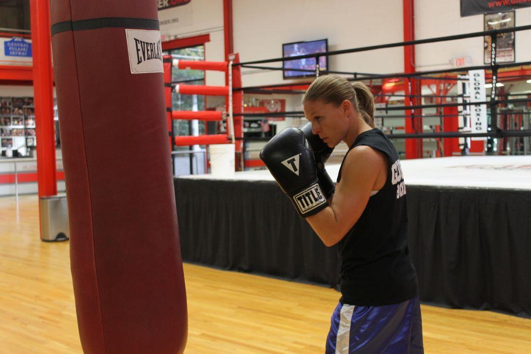 Christy ist eine der besten weiblichen Boxerinnen der Welt, doch ihr Ehemann und Coach macht ihr das Leben zur Hölle ... - Bildquelle: Atlas Media Corp.