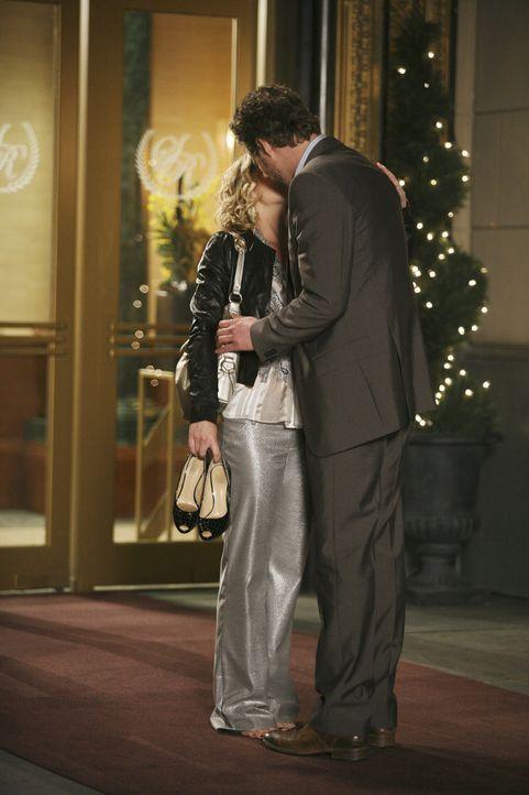 Ihr erster Klient, der attraktive Owen (James Tupper, r.) lässt Samanthas (Christina Applegate, l.) Herz höher schlagen ... - Bildquelle: American Broadcasting Companies, Inc. All rights reserved.