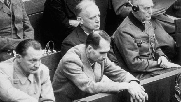 Der Prozess gegen die Hauptkriegsverbrecher, die Kriegsverbrechen und Verbrec...