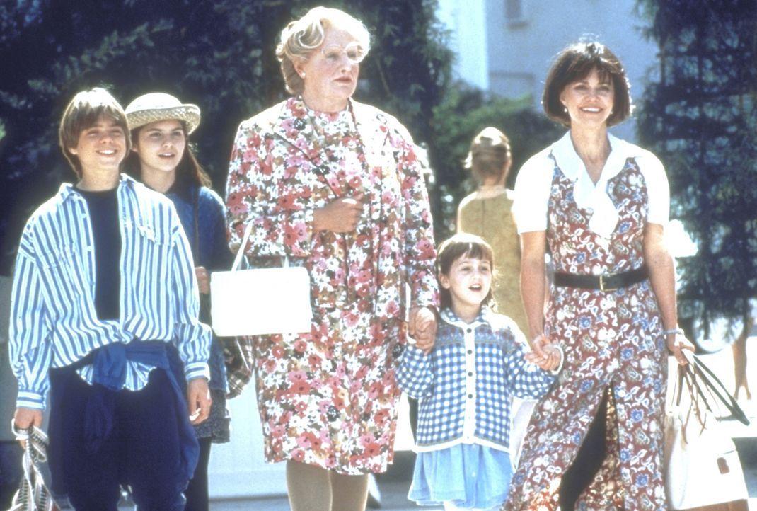Miranda (Sally Field, r.) und die Kinder Lydia (Lisa Jakub, 2.v.l.), Chris (Matthew Lawrence, l.) und Natalie (Mara Wilson, 2.v.r.) können sich ein... - Bildquelle: 20th Century Fox