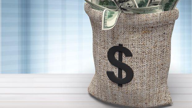 Dollar-Zeichen auf einem Sack mit Dollarscheinen