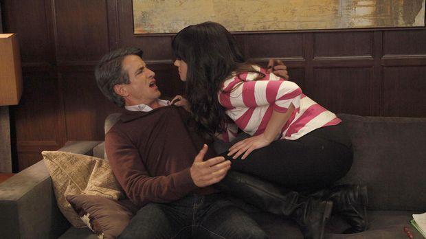 Jess (Zooey Deschanel, r.) fürchtet, dass sie und Russell (Dermot Mulroney, l...