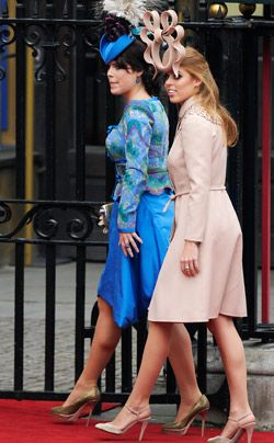 William-Kate-Einzug-Kirche-Princesses-Eugenie-Beatrice-11-04-29-250_404_AFP - Bildquelle: AFP