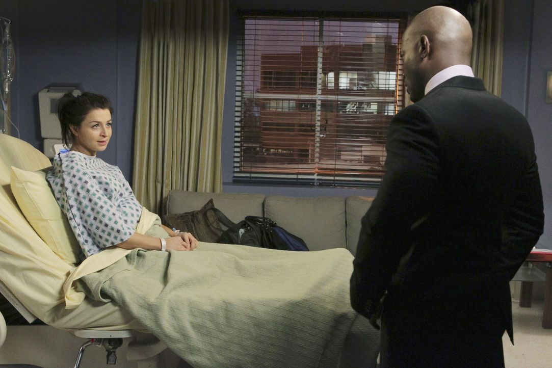Während Pete in großen Schwierigkeiten steckt, steht Sam (Taye Diggs, r.) Amelia (Caterina Scorsone, l.) in ihrer schweren Zeit bei ... - Bildquelle: ABC Studios