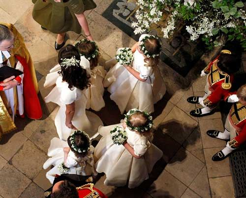 William-Kate-Auszug-Kirche-Kutsche1-11-04-29-500_404_AFP - Bildquelle: AFP