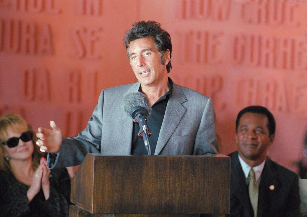 Tony D'Amato (Al Pacino, M.) trainiert schon seit über 20 Jahren die Miami Sharks. Einst waren sie erfolgreich im Football, doch derzeit läuft nicht... - Bildquelle: Warner Brothers
