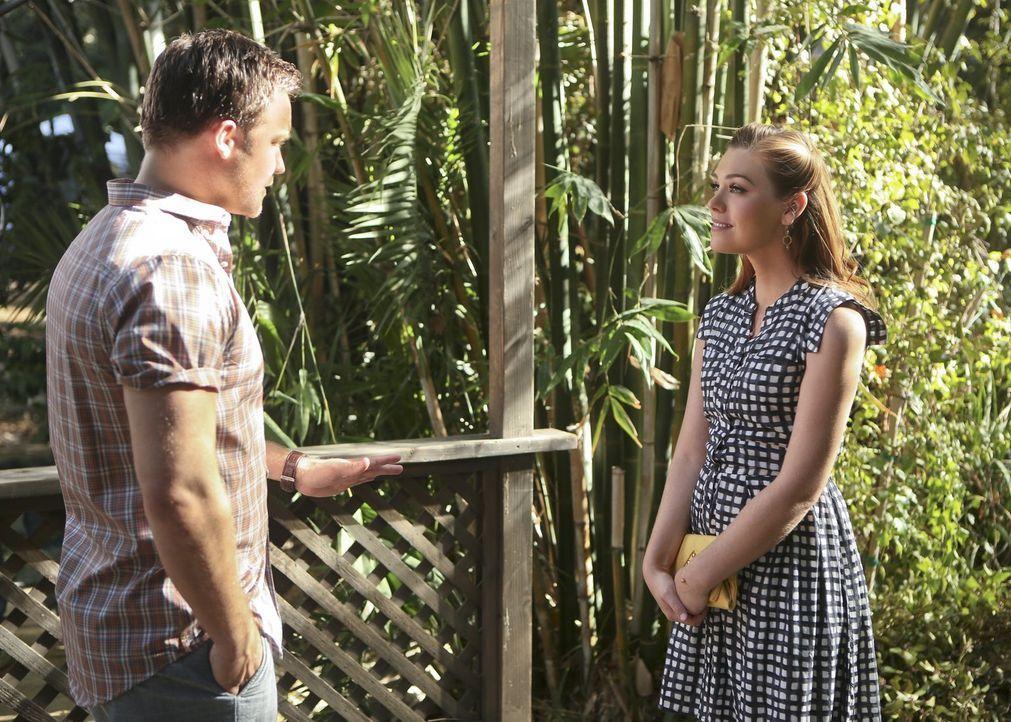 George (Scott Porter, l.) und AnnaBeth (Kaitlyn Black, r.) wagen sich auf ihr erstes gemeinsames Date ... - Bildquelle: 2014 Warner Brothers
