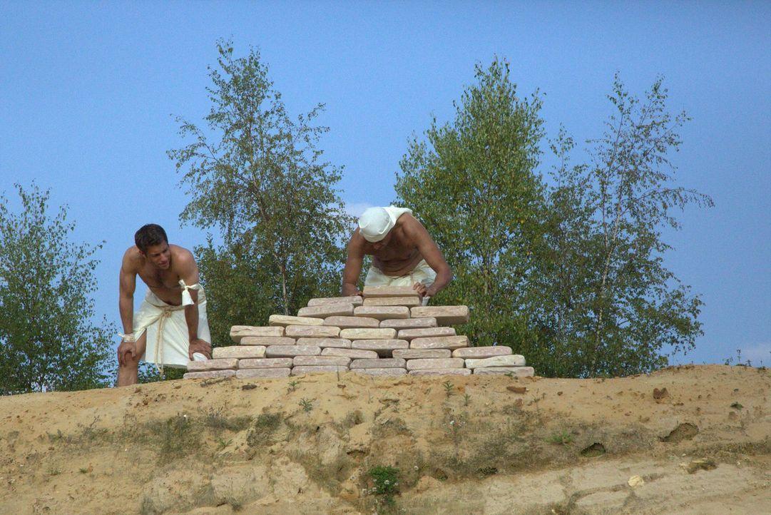 Der Turm zu Babel: Laut Bibel gab Gott beim Bau des Turms den Menschen die Sprache. Doch existierte dieser Turm wirklich? Und wo befand er sich? Der... - Bildquelle: MMXIV WORLD MEDIA RIGHTS LIMITED
