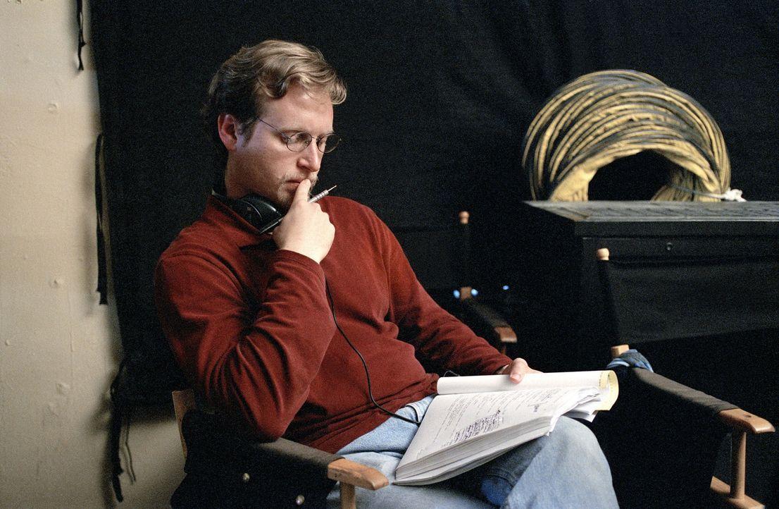 """Drehbuchautor Ehren Kruger bei den Dreharbeiten zu """"Ring 2"""" ... - Bildquelle: DreamWorks SKG"""
