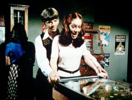 """Die Waltons - Jim Bob (David W. Harper, l.) und Ben """"tauschen"""" ihre..."""