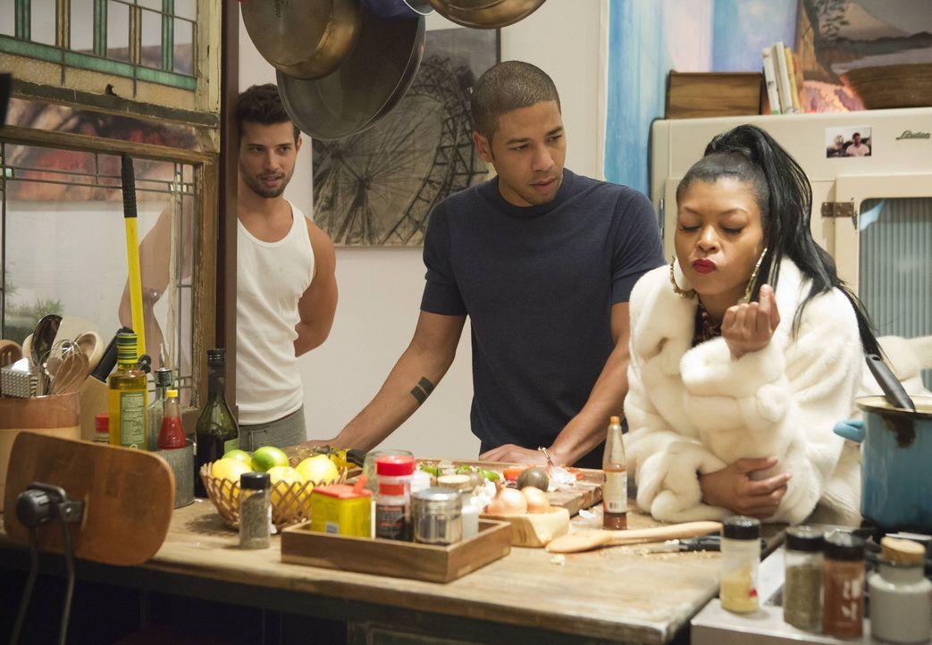 Cookie (Taraji P. Henson, r.) kann nicht glauben, was sie da hört. Jamal (Jussie Smollett, M.) und sein Freund Michael (Rafael de la Fuente, l.) klä... - Bildquelle: 2015 Fox and its related entities.  All rights reserved.