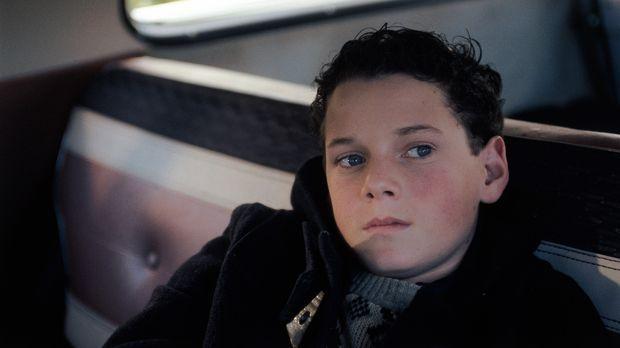 Weil Jacob (Anton Yelchin) die Begabungen seines Vaters geerbt hat, wird er g...