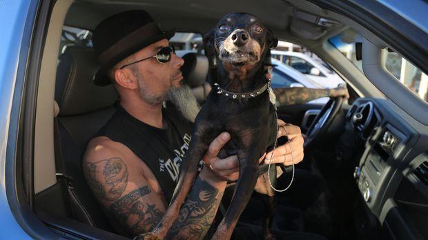 Ruckus (Bild) und Dirk treffen in Vegas auf einen Typen, der sein Tattoo als...