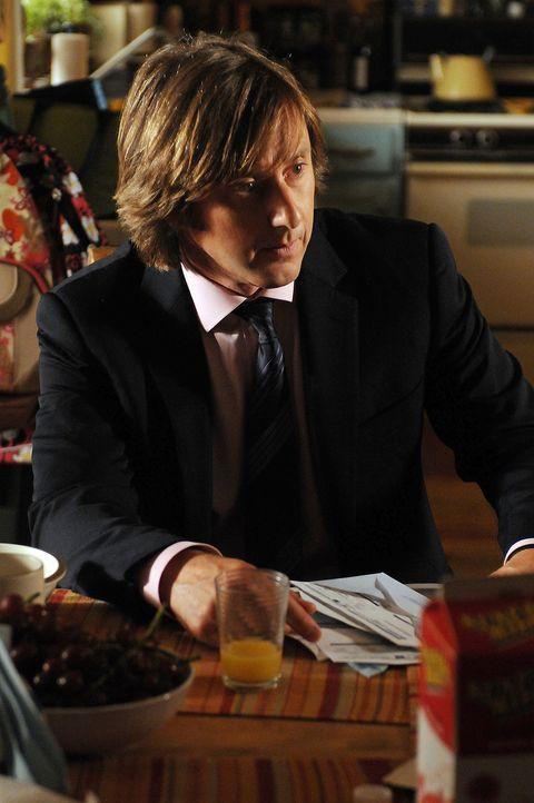 Joe (Jake Weber) macht sich Sorgen, dass sich seine Frau Allison in ihrem Zustand zu viel zumutet ... - Bildquelle: Paramount Network Television