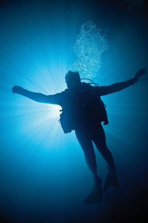 Ein Forschungsteam begibt sich auf eine Expedition in das größte und unzugänglichste unterirdische Höhlensystem der Welt. Ein tropischer Sturm zwing... - Bildquelle: 2011 Constantin Film Verleih GmbH.
