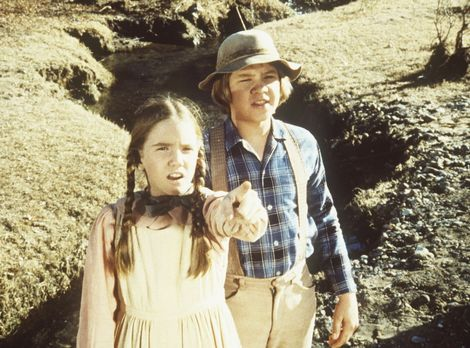 Unsere kleine Farm - Laura (Melissa Gilbert, l.) und Carl (Brian Part, r.) en...