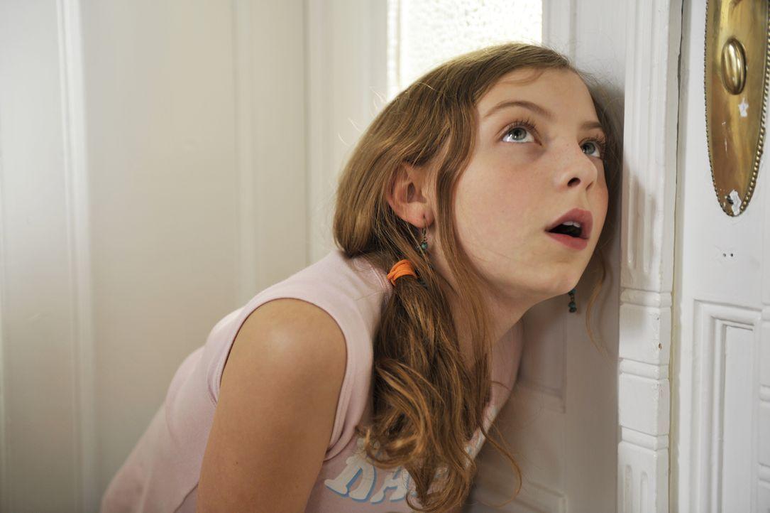 Ihre total uncoole Schwester mit dem obercoolen Chriz? Das kann Luzy (Amber Bongard) gar nicht glauben ... - Bildquelle: Disney