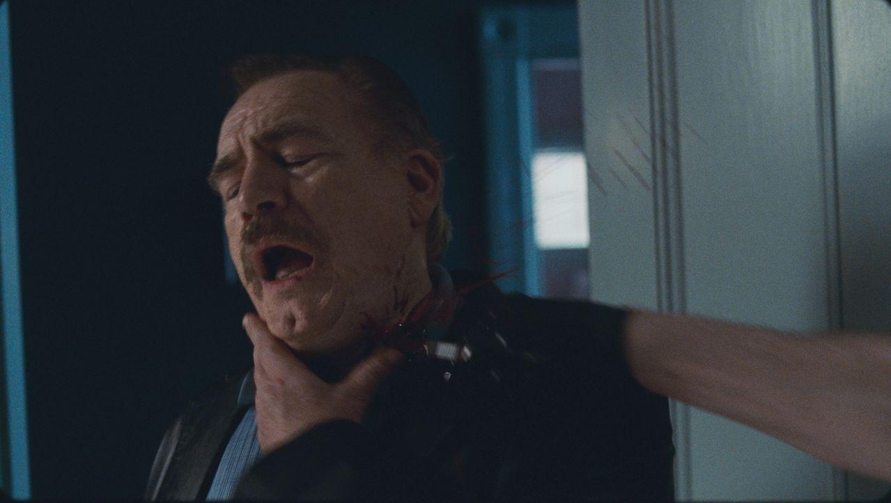 Detective Van Doren (Brian Cox) kommt selber nicht legal an die Mörder heran. Deshalb ist er nicht undankbar, dass Terrys rächendes Herz diese Aufga...