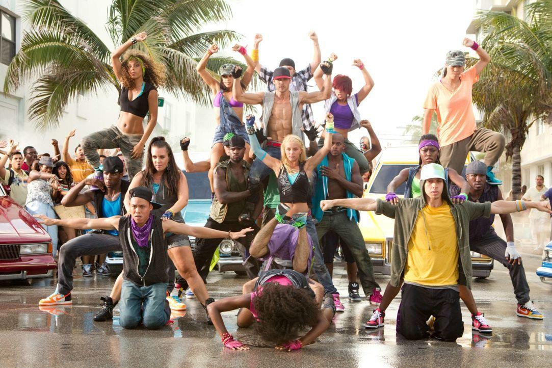 """Legen den Verkehr lahm: die Streetdancer-Truppe """"The Mob"""" ... - Bildquelle: 2011 Summit Entertainment, LLC. All rights reserved."""
