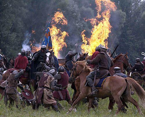Wieder in Freiheit nimmt Stephan erneut den Kampf um Englands Thron auf. Mathilde muss sich erneut nach Frankreich zurückziehen. - Bildquelle: Egon Endrenyi - Tandem Productions - Pillars Productions