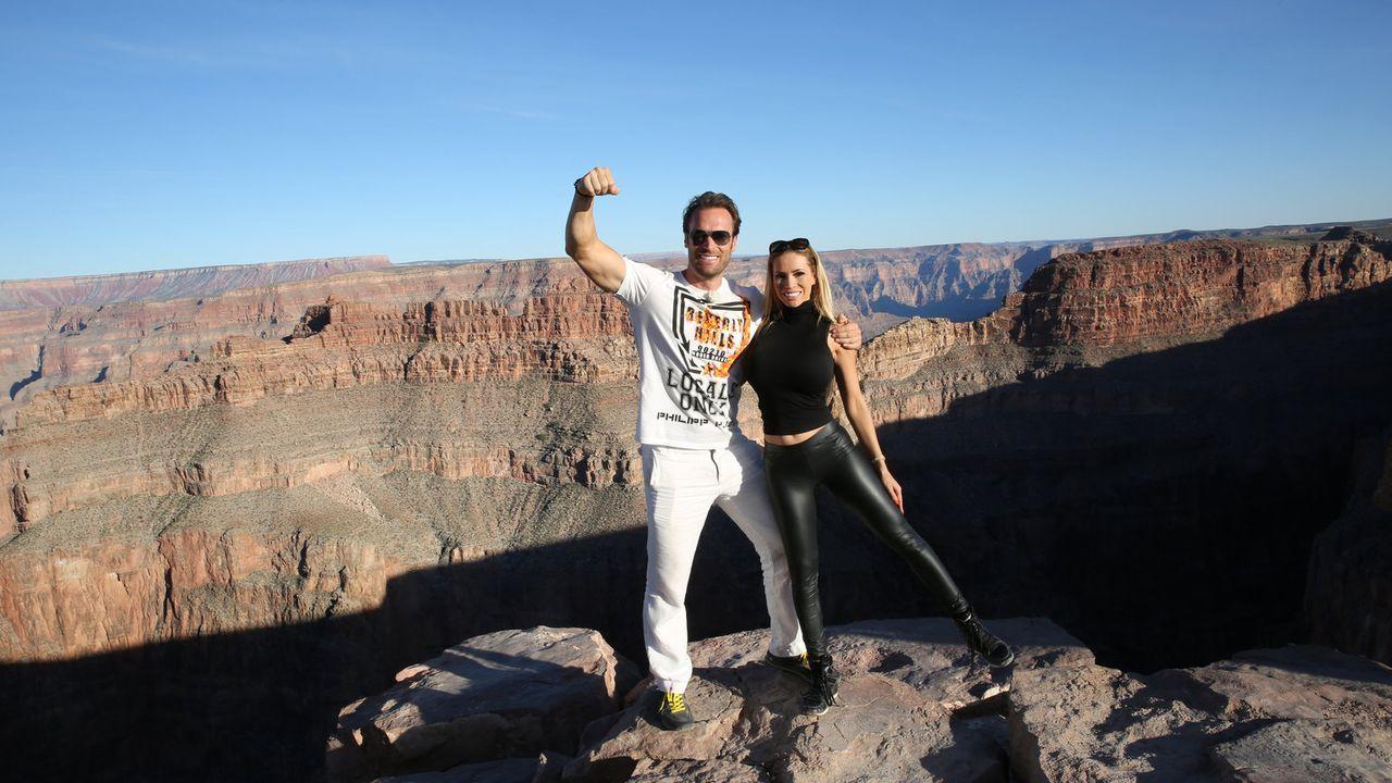 Auf ihrem Roadtrip durch die USA: Unternehmer Bastian Yotta (l.) und Freundin Maria (r.) ... - Bildquelle: ProSieben