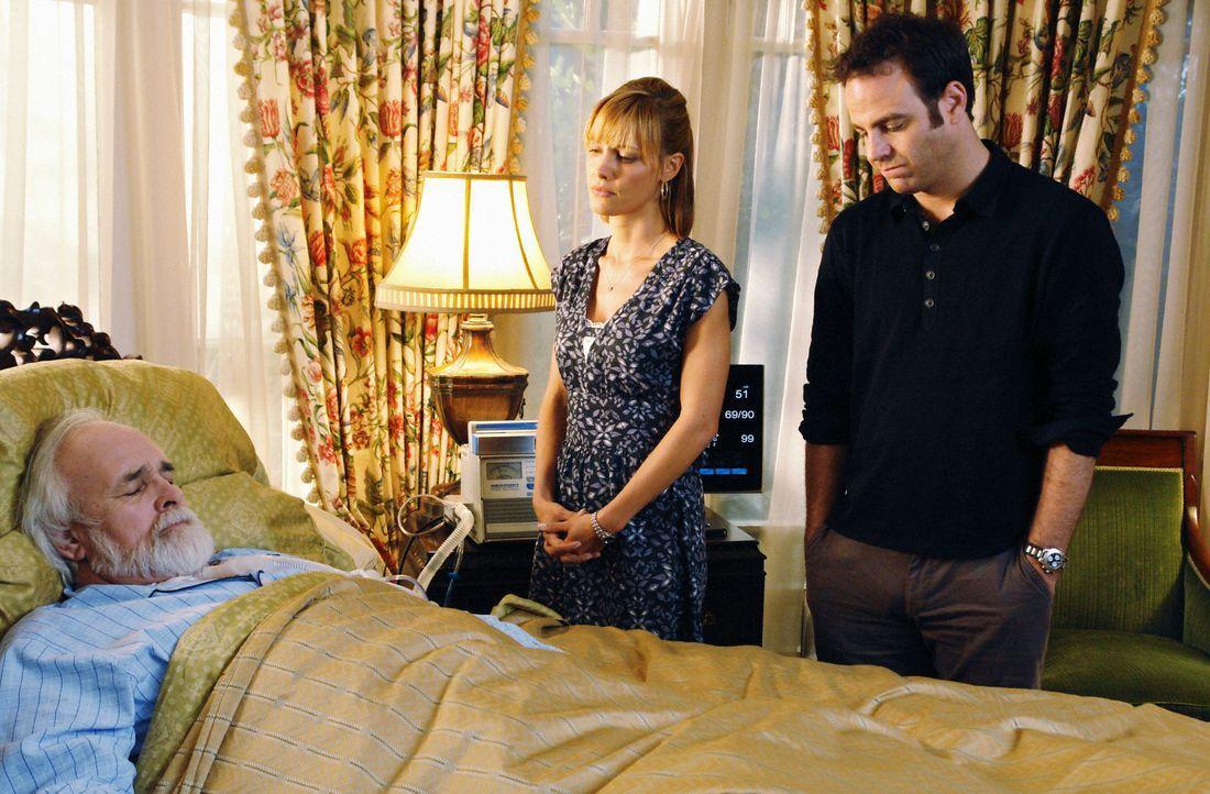 Cooper (Paul Adelstein, r.) steht Charlotte (KaDee Strickland, M.) in einer schweren Zeit bei, denn ihr Vater (Tyler Jacob Moore, l.) liegt im Sterb... - Bildquelle: ABC Studios