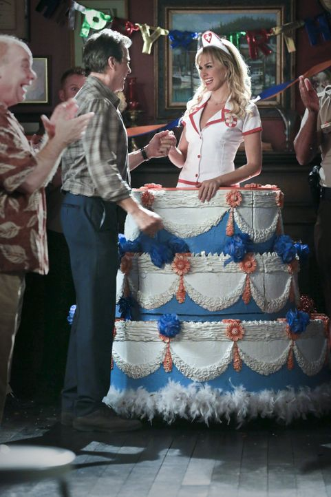 Brick Breeland und die Torte - Bildquelle: Warner Bros.