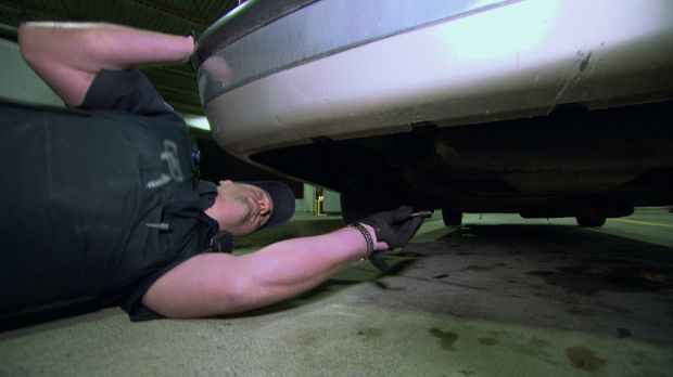 Unglaublich, was Zollbeamte in Autos und vor allem wo genau im Auto alles fin...