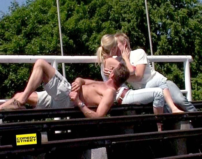 comedystreet-st-04-epi-01-grab-simon-gosejohann-07-prosiebenjpg 700 x 550 - Bildquelle: Guido Ohlenbostel ProSieben