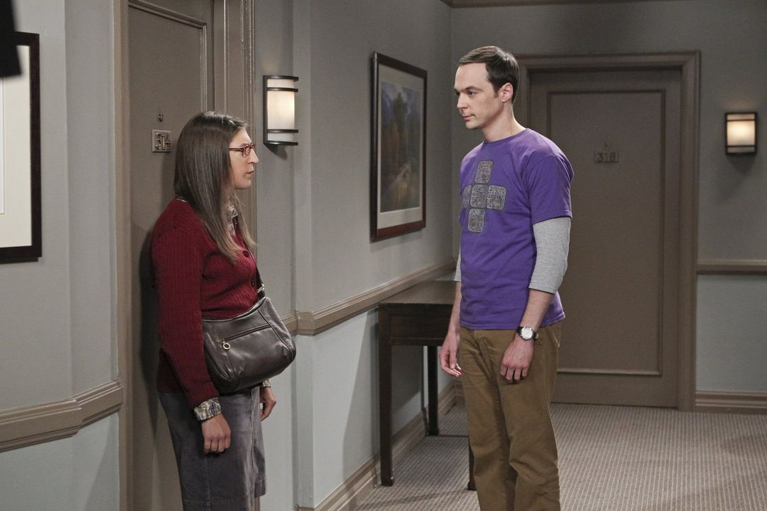 Steht Amy (Mayim Bialik, l.) und Sheldon (Jim Parsons, r.) wirklich das Beziehungsaus bevor? - Bildquelle: Warner Brothers