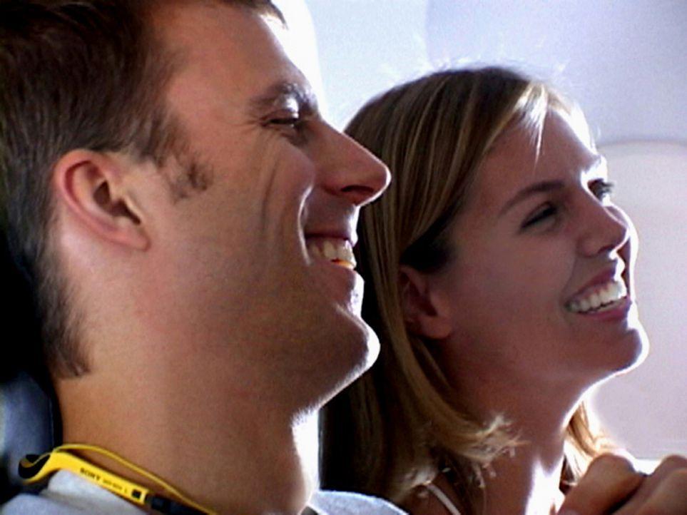 Eigentlich sollte der Urlaub die schönste Zeit des Jahres sein. Doch für das junge Pärchen Susan (Blanchard Ryan, r.) und Daniel (Daniel Travis,... - Bildquelle: 2004 Lions Gate Films. All Rights Reserved.