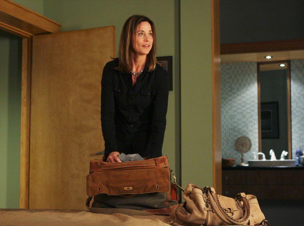 Packt ihre Sachen, um nach Ghana zu gehen: Meg (Jayne Brook) ... - Bildquelle: ABC Studios