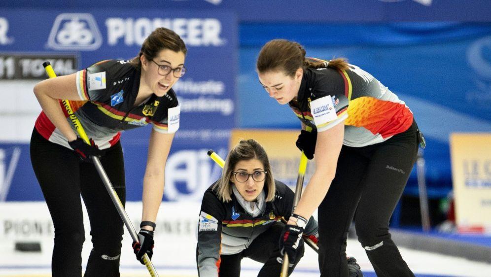Deutschlands Curling-Frauen unterliegen Kanada mit 5:8 - Bildquelle: AFPSIDHENNING BAGGER