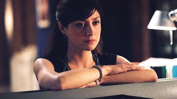Todd (Sasha Alexander) ist schockiert über den Mord ihres Kollegen Chris Pacc...