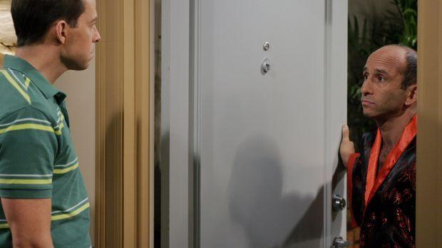 Die Scheidung von Alan (Jon Cryer, l.) und Kandi steht bevor. Alan streitet m...