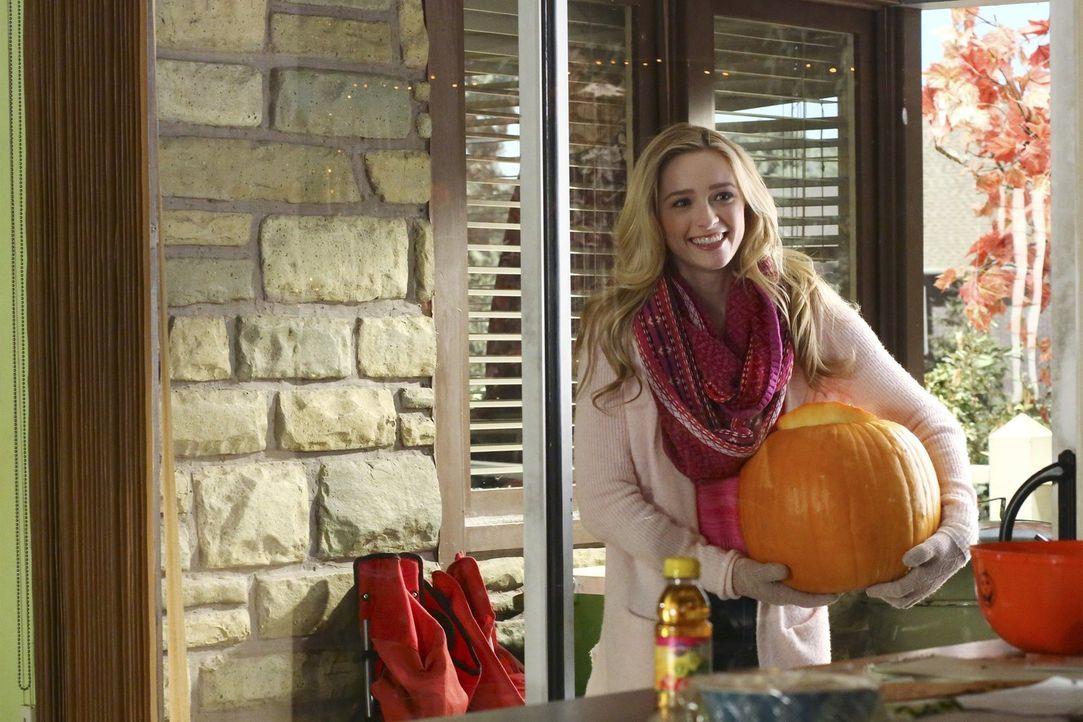 Ahnt nicht, dass dieses Halloween anders wird, als gedacht: April (Greer Grammer) ... - Bildquelle: Warner Bros.
