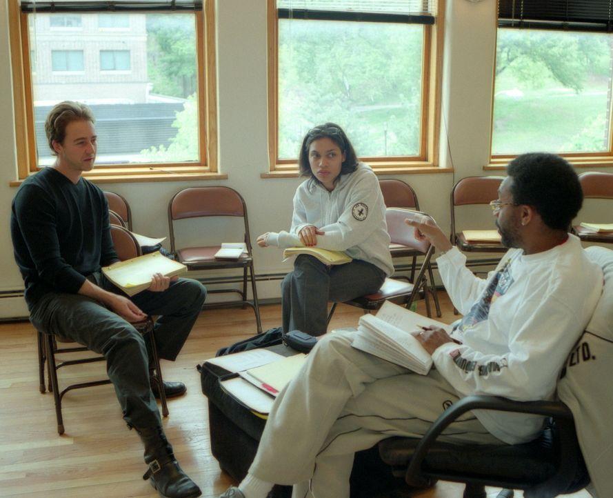Regisseur Spike Lee, r. mit seinen Hauptdarstellern Edward Norton, l. und Rosario Dawson, M. - Bildquelle: Touchstone Pictures