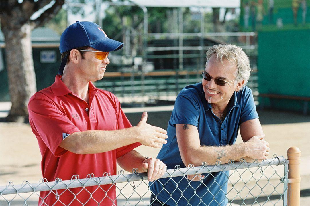 """Wer wird die diesjährige Jugend-Baseball-Meisterschaft für sich entscheiden? Die """"Yankees"""" mit ihrem überheblichen Trainer Roy Bullock (Greg Kinnear... - Bildquelle: TM &   Paramount Pictures. All Rights Reserved."""