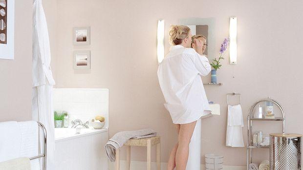 badbeleuchtung ideen f r helles und gem tliches licht sat 1. Black Bedroom Furniture Sets. Home Design Ideas