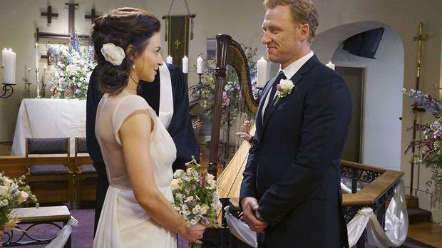 Geben sich das Ja-Wort: Amelia (Caterina Scorsone, l.) und Owen (Kevin McKidd...
