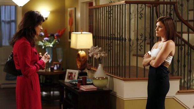 Zwischen Brooke (Sophia Bush, r.) und ihrer Mutter Victoria (Daphne Zuniga, l...